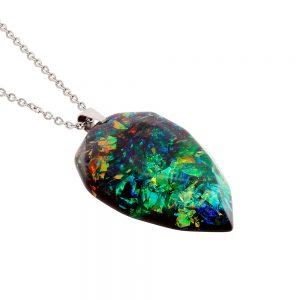colier cu medalion din rășină epoxidică transparentă, bijuterie unicat