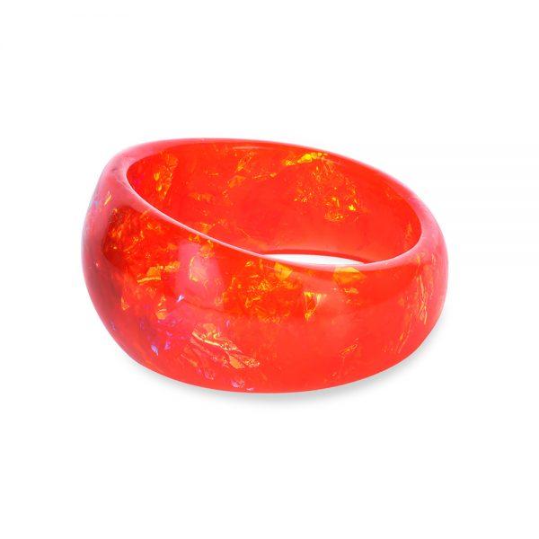 brățară bangle asimetrică din rășină epoxidică, cu nuanțe de ardei roșu chili și galben portocaliu, bijuterie unicat