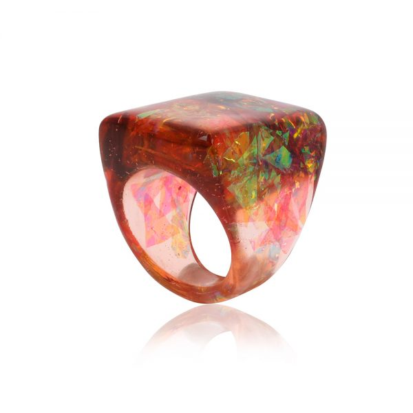 inel handmade unicat din rășină epoxidică în culori maron, coniac, reflexii arămiu auriu