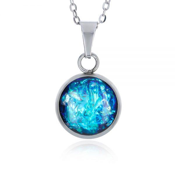 colier lănțișor cu pandantiv mic albastru turcoaz, albastru regal, albastru baby blue cu reflexii turcoaz albastru egee lanț din inox oțel chirurgical, bijuterie pandantiv din rășină de ocazie pentru rochie albastră handmade unicat