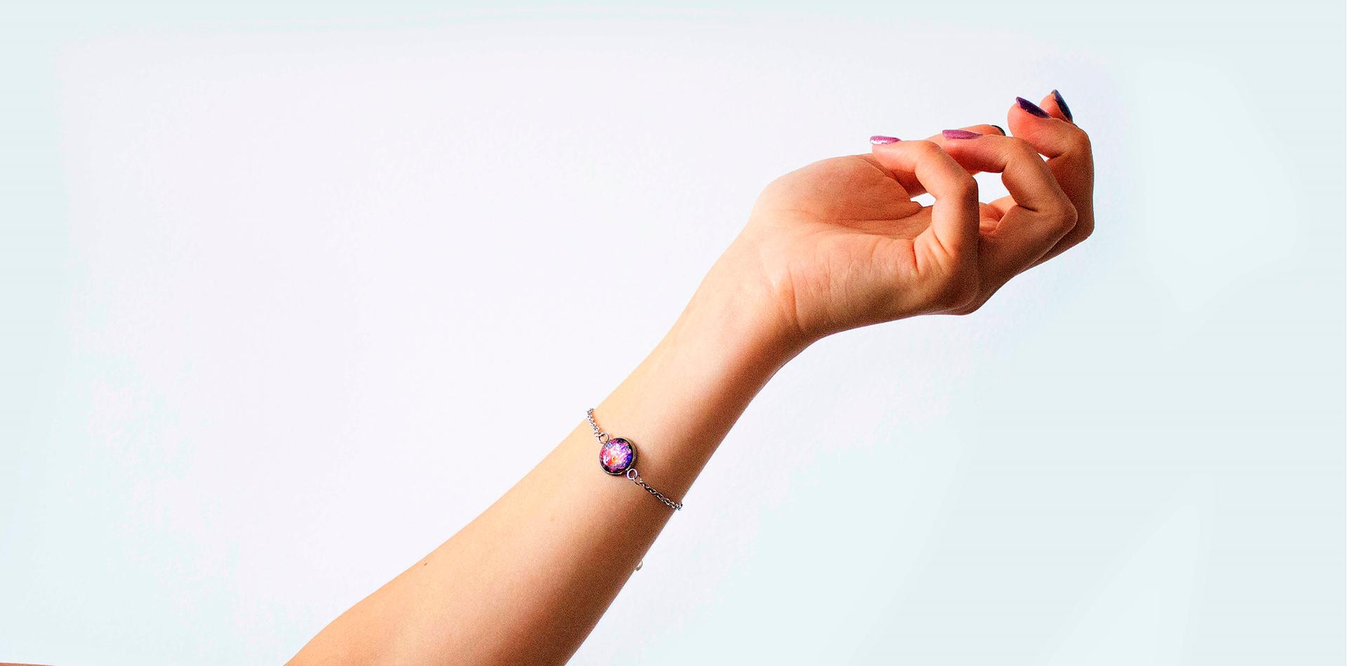 cum sa cureti bijuteriile