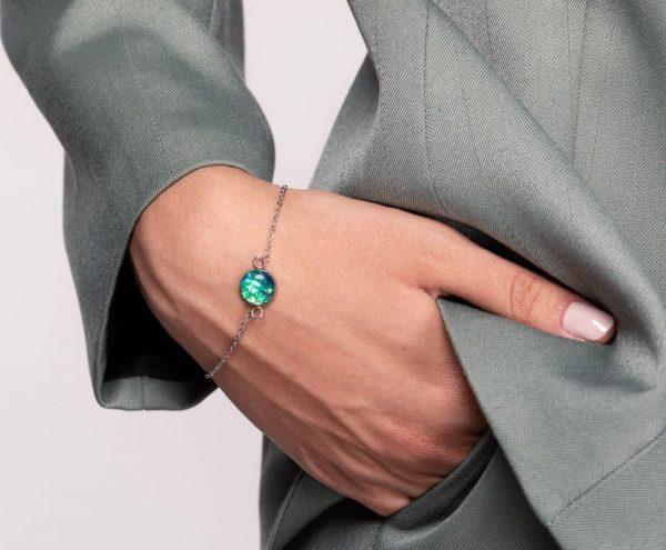brățară inox otel inoxidabil chirurgical verde crud smarald, verde jad, reflexii aurii, verde turcoaz bijuterii handmade unicat din rasina, brățară cu piatră cristal verde turcoaz apă